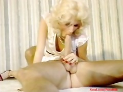 aroows 80s ladies big wang and trimmed pussy