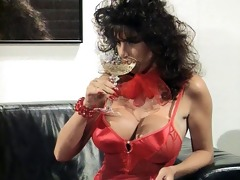 sarah youthful getting off with a vibrator