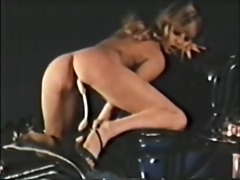 solo females, nudes and lesbians 30 1970s - scene