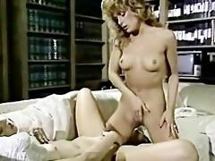 threesome vintage lezzies scissor sexing!