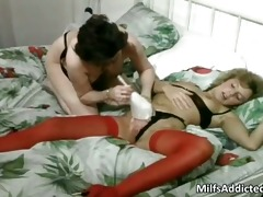 mature strumpets having lesbo sex